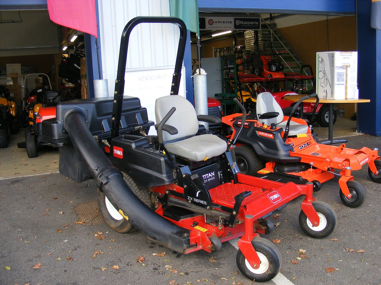 Used 2016 Toro Titan ZX5400 with Grass Collector